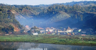 Ranu Pane, Indahnya Danau Hijau di Kaki Gunung Semeru