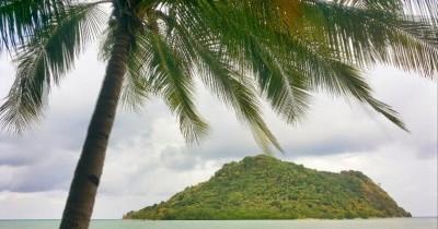 Pantai Terosan,  Surga Kecil yang Masih Terpencil