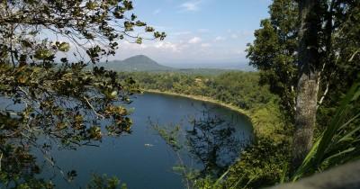 Ranu Pakis, salah satu objek wisata yang membentuk Danau Segitiga Emas di Lumajang