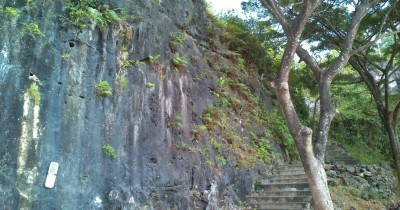 Bukit Surowiti, Objek Wisata Religi Dengan Segudang Misteri