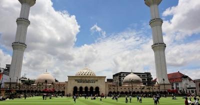 Masjid Raya Bandung, Masjid Dengan Panorama Indah Dari Atas Menara