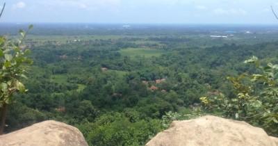 Cadas Gantung, Pesona Tebing di Kaki Gunung Sanghyang Dora