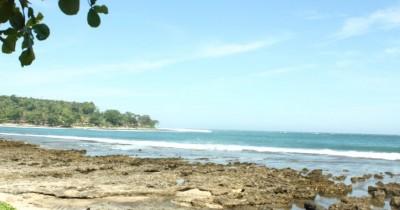 Pantai Rancabuaya, Eksotisme Keindahan Pantai yang Begitu Mempesona