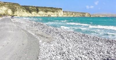 Pantai Samudera Baru, Keindahan Pantai Alami yang Belum Tersentuh