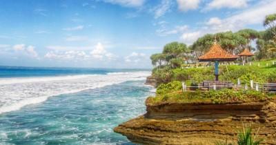Pantai Batu Hiu, Pesona Panorama Tanah Lotnya Jawa Barat