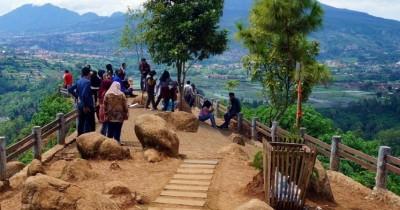 Tebing Keraton, Tempat Menikmati Sunrise dan Sunset Terindah di Bandung