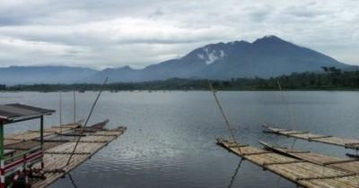 Situ Bagendit, Menikmati Keindahan Danau Yang Asri