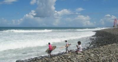 Pantai Cimaja, Pantai Favorit Peselancar di Sukabumi
