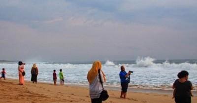 Pantai Pangumbahan, Objek Wisata dengan Tempat Surving yang Ideal