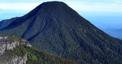Gunung Gede Pangrango, Gunung dengan Banyak Wisata
