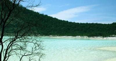 Wisata Kawah Putih Ciwidey, Keindahan Danau yang Bisa Berubah Warna
