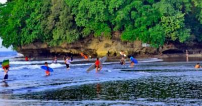 Pantai Batu Karas, Keindahan yang Tidak Ter duakan