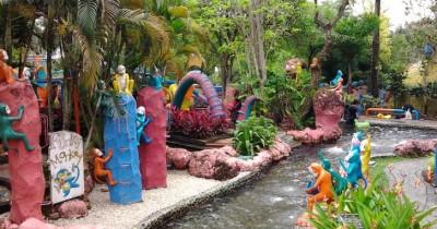 Arina Waterpark, Wisata Air Meriah dengan Harga yang Murah