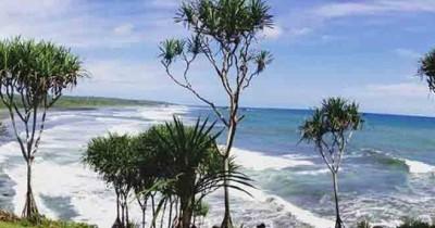 Pantai Karang Tawulan, Pantai Karang mirip Tanah Lot Bali