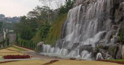 Dago Pakar Bandung, Hutan dengan Beraneka Ragam Wisata
