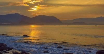 Pantai Palabuhanratu, Keindahan Pantai Berombak Besar yang Penuh Mistis