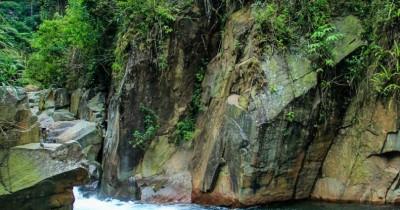 Curug Cibaliung, Air Terjun Terindah dengan Sensasi Wisata yang Luar Biasa