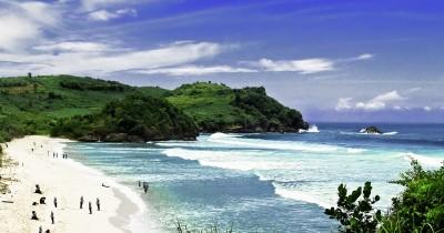 Pantai Tambakrejo, Menguak Kecantikan dan Keindahan Salah Satu Pantai di Blitar