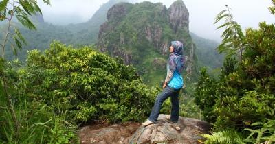 Gunung Limo, Berwisata Sambil Menantang Nyali untuk Mencapai Puncak