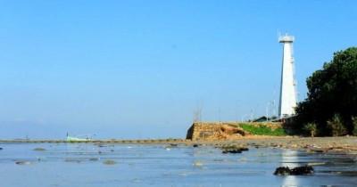 Menikmati Pesona  Indahnya Wisata Pantai Sambilangan