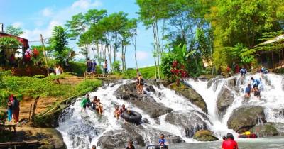 Sumber Maron, Berwisata Sambil Tubing di Sungai