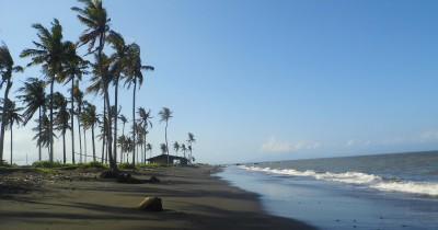 Pantai Gumuk Kantong, Melihat Indahnya Matahari Terbit di Pantai nan Indah