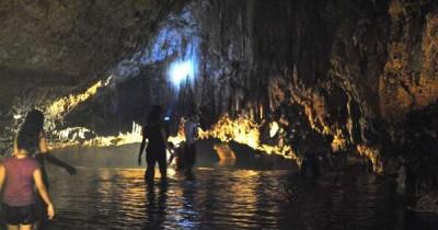 Wisata Gua Embultuk, Mengagumi Keindahan Stalagtit dari Dekat