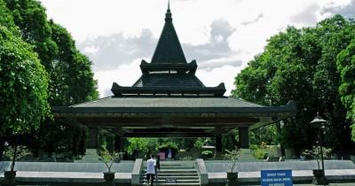 Wisata Makam Bung Karno, Mengenang Presiden Pertama Kita di Kota Blitar
