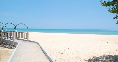 Wisata Pantai Nepa, Menikmati Keindahan Pantai dan Hutan Keranya
