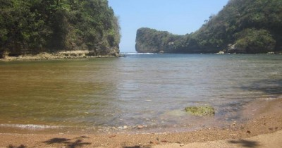 Pantai Nglurung, Berwisata Sambil Memancing Ikan