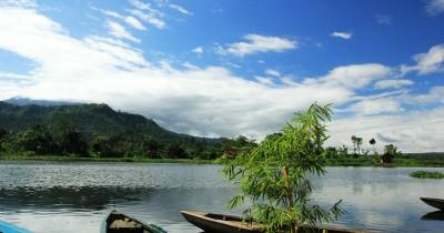 Waduk Selorejo, Berwisata Sambil Bersantai di Perahu Wisata