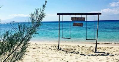 Wisata Pulau Tabuhan, Destinasi Asyik untuk Berselancar