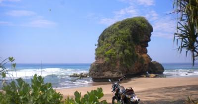 Pantai Kondang Iwak, Berwisata Sambil Membakar Ikan