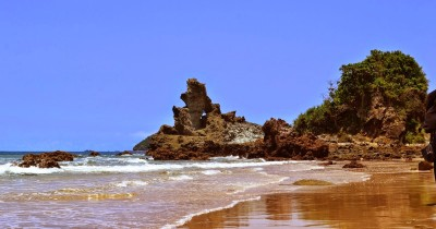 Pantai Parang Kursi, Menguak Keindahan dan Misteri Salah Satu Pantai di Banyuwangi