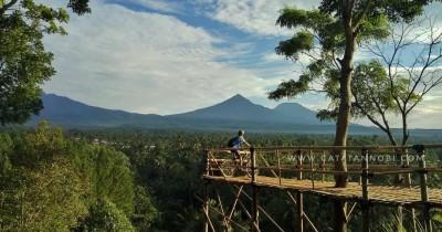 Bukit Mondoleko, Menyaksikan Keindahan Pemandangan dari Ketinggian