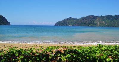 Pantai Sipelot, Berwisata Sambil Bermain-main di Air Payau
