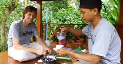 Wisata Desa Telemung, Melihat dari Dekat Pengolahan Biji Kopi Luwak