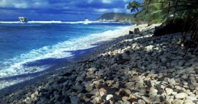 Pantai Pidakan, Berwisata Sambil Bermain-main di Pantai yang Indah