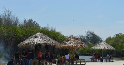 Pantai Mangrove Kampung Nipah, Wisata Bahari dengan Pemandangan Mangrove yang Eksotik