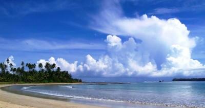 Pantai Lagundri, Berlibur Sembari Melihat Kompetisi Surfing