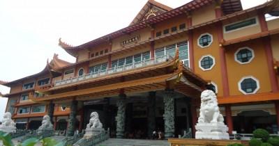 Maha Vihara Adhi Maitreya, Vihara Terbesar Nan Indah di Jantung Kota Medan