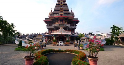 Graha Maria Annai Velangkanni, Pesona Keindahan Gereja dengan Bangunan yang Berbentuk Kuil