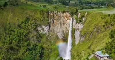 Air Terjun Sipiso Piso, Berwisata Sambil Menikmati Indahnya Alam