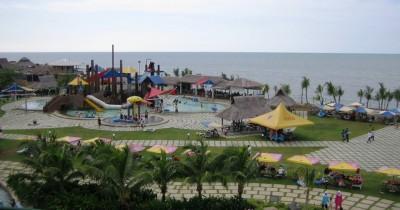 Pantai Cermin, Wisata Waterpark dengan View Pantai dan Resort yang Menawan
