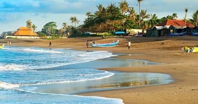 Pantai Canggu : Fasilitas, Rute, Jam Buka, Harga Tiket dan Daya Tarik