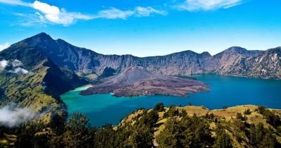 Gunung Rinjani : Fasilitas, Rute, Jam Buka, Harga Tiket dan Daya Tarik