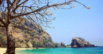Pantai Koka : Fasilitas, Rute, Jam Buka, Harga Tiket dan Daya Tarik