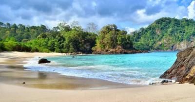 Teluk Hijau : Fasilitas, Rute, Jam Buka, Harga Tiket dan Daya Tarik