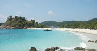 Pantai Pasir Panjang : Fasilitas, Rute, Jam Buka, Harga Tiket dan Daya Tarik