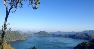 Danau Sano Nggoang : Fasilitas, Rute, Jam Buka, Harga Tiket dan Daya Tarik
